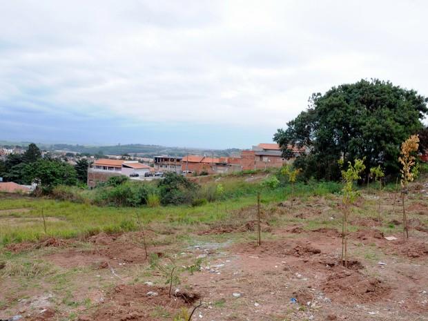 Terreno que serviria para obra do Centro de Iniciação ao Esporte em Piracicaba (Foto: Justino Lucente/Prefeitura de Piracicaba)