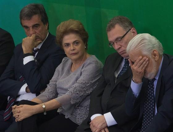 A Presidente Dilma Rousseff participa de Encontro com Juristas pela Legalidade e em Defesa da Democracia no Palácio do Planalto. (Foto: André Coelho/ Agência O Globo)