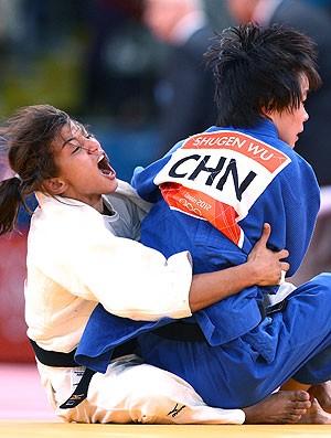 Sarah Menezes derrota chinesa e está nas semifinais
