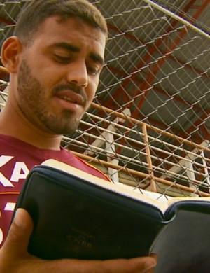 Nome de atacante do Boa Esporte é inspirado no 1º livro da Bíblia (Foto: Reprodução EPTV)