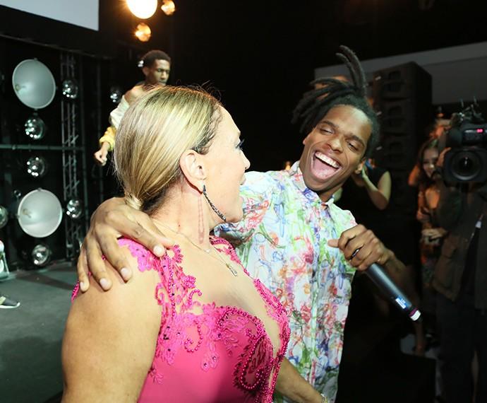 Susana se joga no funk durante show do Dream Team do Passinho (Foto: Isabella Pinheiro/Gshow)