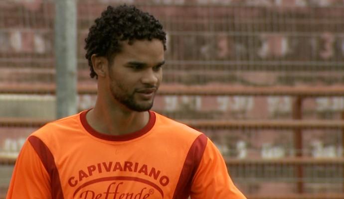 Pedro Henrique lateral Capivariano (Foto: Carlos Velardi / EPTV)
