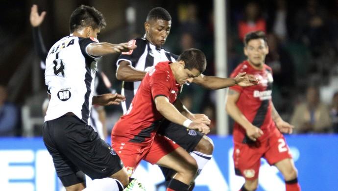 Bayer Leverkusen x Atlético-MG Chicarito Florida Cup (Foto: AFP)