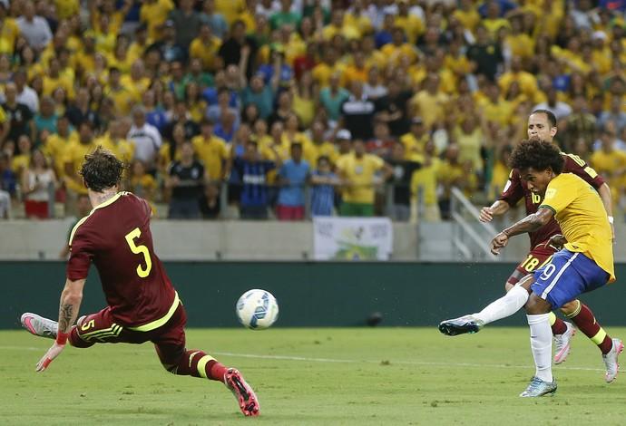 Willian - Seleção Brasileira - Eliminatórias (Foto: AP)