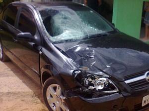 Carro tem marcas do acidente em Natal e restos mortais da vítima (Foto: PRF/Divulgação)