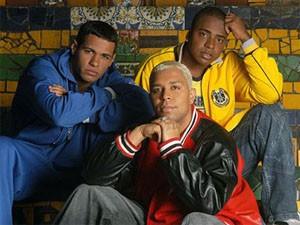 Grupo ficou famoso na década de 2000 com a música 'Tapinha' (Foto: Divulgação)