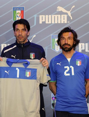 camisa italia  pirlo buffon (Foto: EFE)