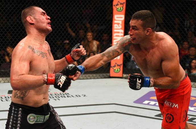 Fabricio Werdum Cain Velásquez UFC 188 (Foto: Getty Images)