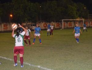 As meninas do Roraima saíram na frente mas no 2º tempo venceu o 'Mundão' (Foto: Tércio Neto/GloboEsporte.com)