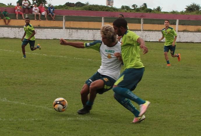 Time do Sampaio durante treinamento, nessa terça-feira, última movimentação em São Luís-MA (Foto: Biaman Prado / O Estado)