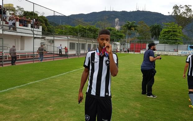 BLOG: Mudou o jogo e contou história: Marcos, o volante que o Botafogo encontrou na rua