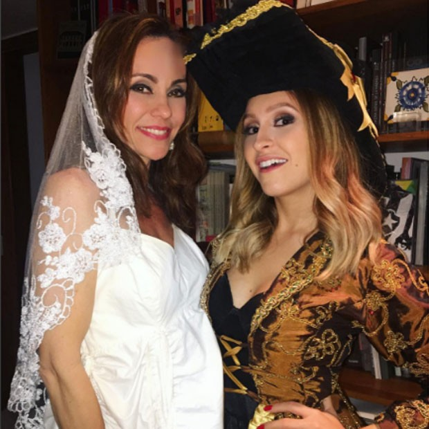 Flávia Monteiro e Carla Diaz (Foto: Reprodução/Instagram)