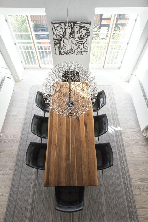 Dúplex em Copenhague mistura estilo escandinavo ao mobiliário caloroso (Foto: Divulgação)