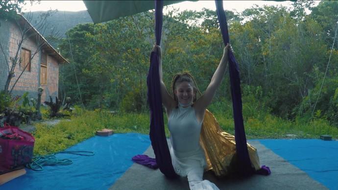 A colombiana Pusa Pinaud trabalha no Circo do Capão (Foto: TV Bahia)