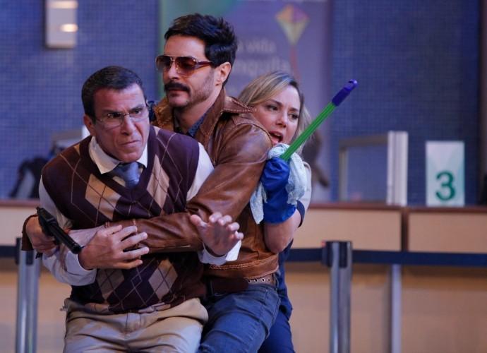Eri Johnson, Ricardo Tozzi e Heloísa Périssé em Tomara que Caia (Foto: Artur Meninea/Gshow)
