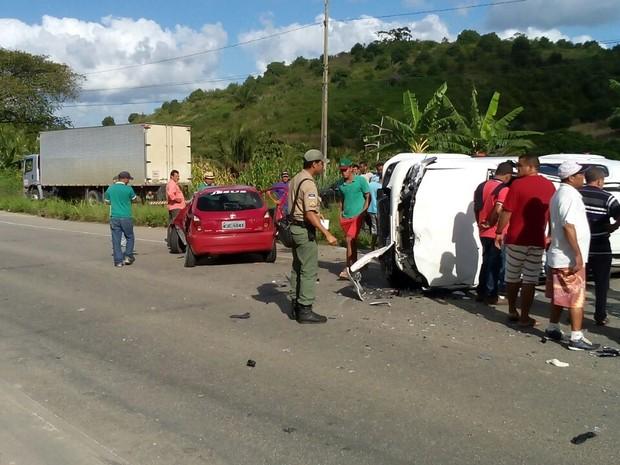 Deputada Simone Santana sofre acidente em Barreiros, na Mata Sul (Foto: Divulgação/Whatsapp)