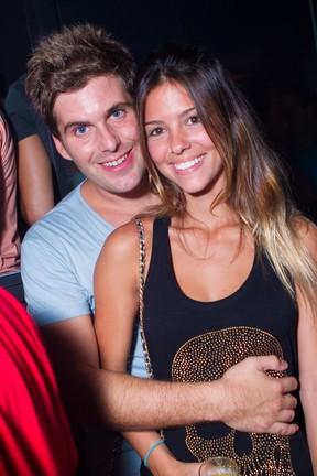 Thiago Gagliasso e a namorada em boate no Rio (Foto: Raphael Mesquita/ Divulgação)