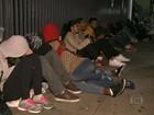 Estudantes dormem na fila para se inscreverem no Fies
