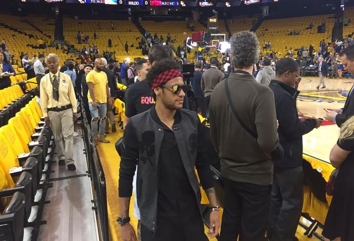 Warriors abrem 2 a 0 na decisão contra o Cavaliers
