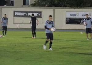 Neilton no treino do Botafogo (Foto: Gustavo Rotstein)