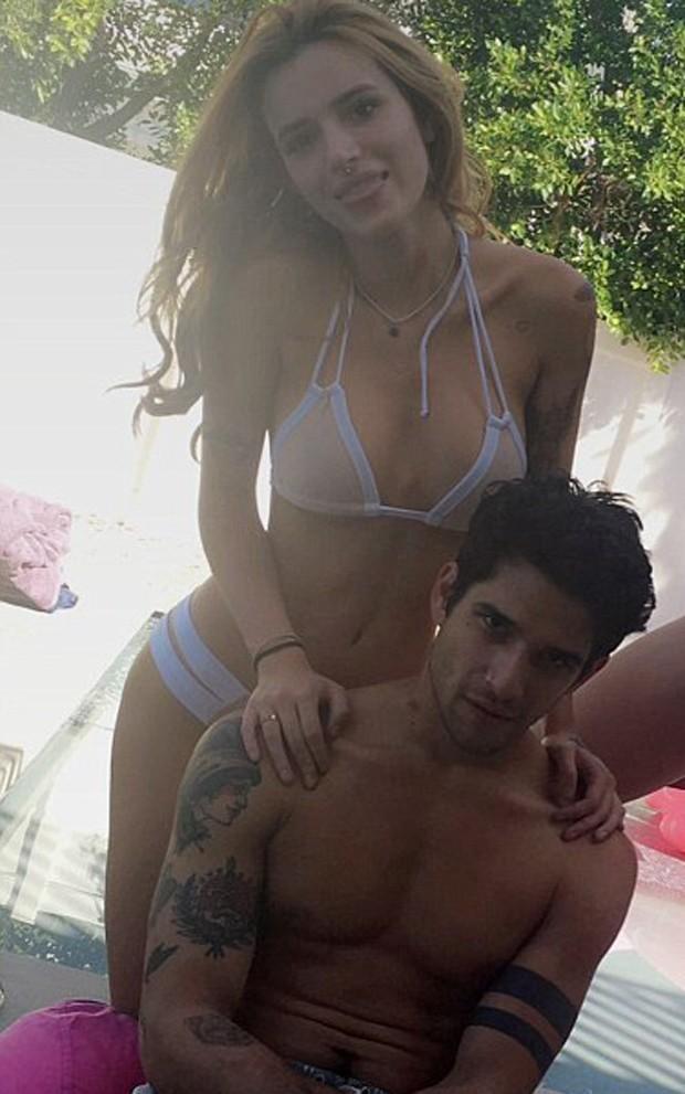 Bella Thorne e Tyler Posey (Foto: Reprodução/Snapchat)