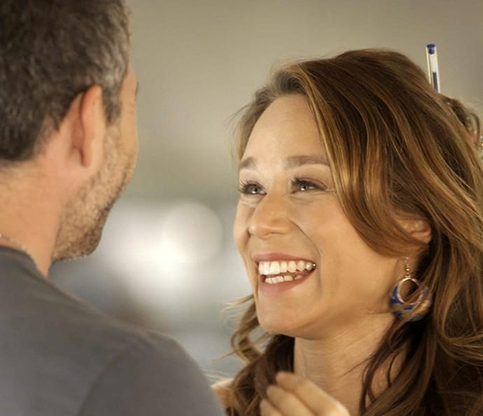 Tancinha se empolga com a proposta (Foto: TV Globo)