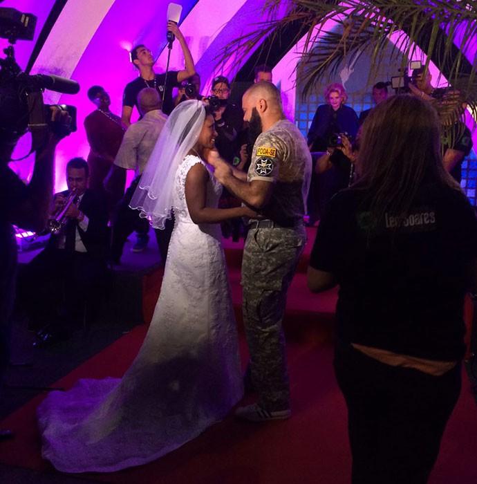 Hora do sim! Casamento nerd no meio do Rock in Rio (Foto: Fernanda Almeida/Gshow)