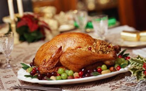 Aprenda a fazer um peru recheado para a ceia de Natal