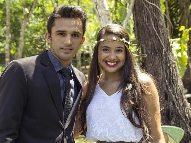 Fabiano e Cyntia fizeram par no novo clipe dos cantores de Araguaína (Foto: Vinicius Cantuares/Divulgação)