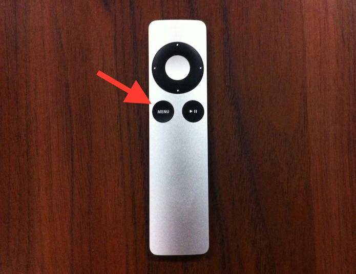 Mantendo o botão menu pressionado para voltar a tela inicial da Apple TV (Foto: Reprodução/Marvin Costa)