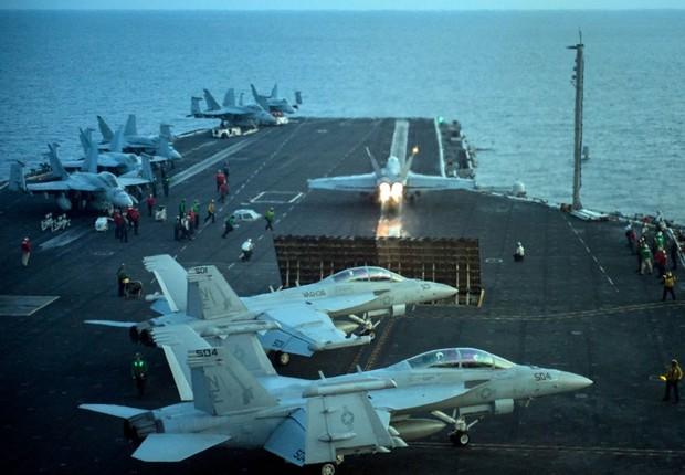 O porta-aviões americano USS Carl Vinson (Foto: Getty Images)