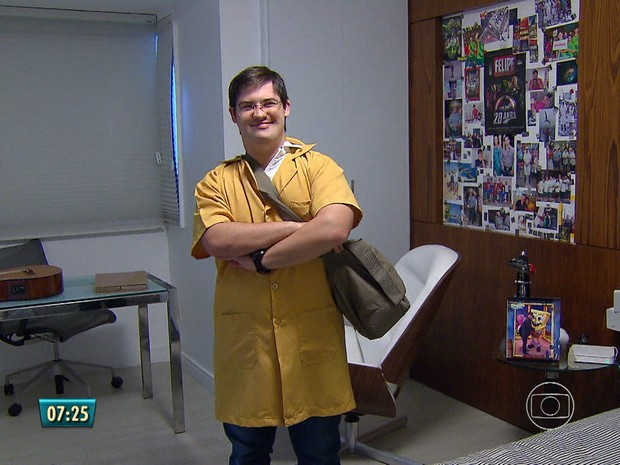 Felipe faz trabalho voluntário na unidade de saúde uma vez por semana (Foto: Reprodução/TV Globo)