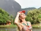 Transexual Thalita Zampirolli posa para marca de biquínis