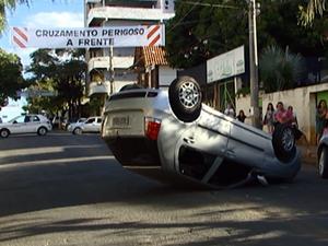 Mesmo com faixas os acidentes são frequentes  (Foto: Reprodução/TV Integração)