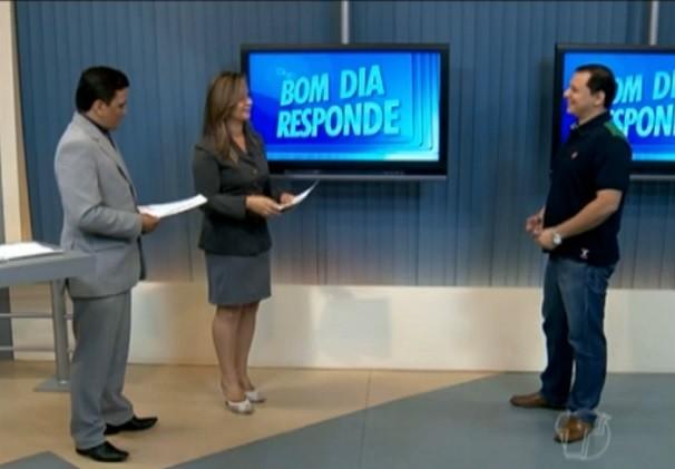 Daniele e Ronei receberam no estúdio do Bom Dia Santarém o consultor de empresas, Geovane Miléo. (Foto: TV Tapajós)