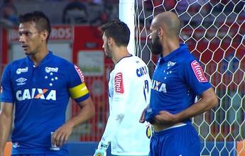 """Henrique condena gols perdidos: """"Ali dentro, tem que por a bola pra dentro"""""""