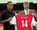 Wenger não quer que Henry acumule os cargos de comentarista e auxiliar