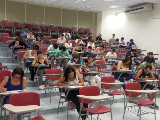 Estudantes realizam prova da 1ª fase da Unicamp, em Campinas (Foto: Fernando Pacífico / G1 Campinas)
