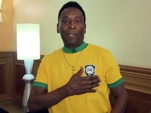 Pelé fala sobre recentes protestos pelo país (Foto: Reprodução/TV Tribuna)