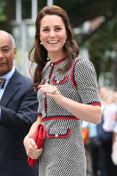 Kate Middleton elege look Gucci (pela primeira vez!) para visita ao V&A em Londres (Foto: Getty Images)