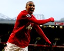 Com lesão no tornozelo, Ashley Young está fora do restante da temporada