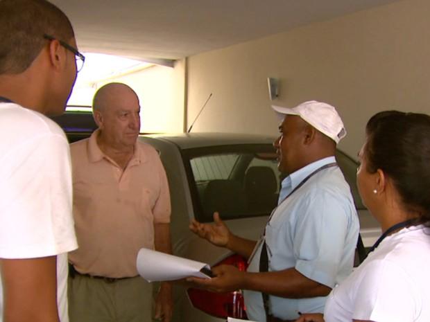 Visitas em São João da Boa Vista foram intensificadas nesta quinta-feira (26) (Foto: Éder Ribeiro/EPTV)