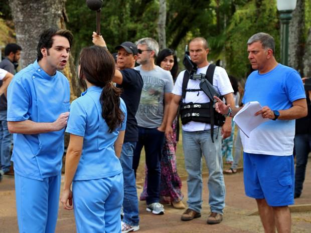 Sob a direção de Jorge Fernando, Conrado Caputto contracena com Sabrina Petraglia (Foto: Maria Clara Lima/ Gshow)