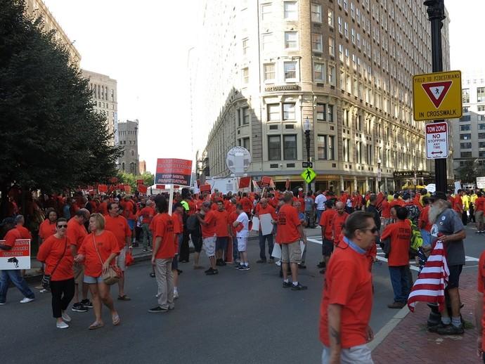 Manifestação em Boston, onde seleção joga na terça (Foto: Márcio Iannacca)