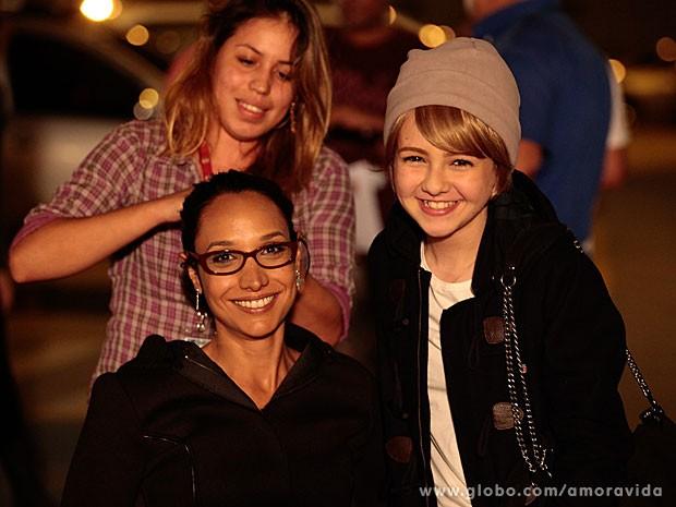 Maria Maya usou óculos durante a gravação (Foto: Amor à Vida/TV Globo)