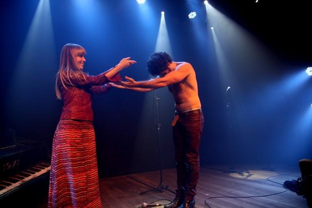 Eriberto Leão na cena final da peça 'Jim' (Foto: Claudio Andrade/Fotorio News)
