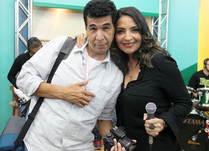 Adonay Pereira acompanha a esposa em todos os seus trabalhos (Foto: Katiúscia Monteiro/ Rede Amazônica)