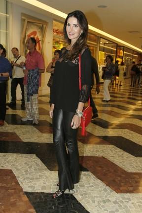 Lisandra Souto em estreia de peça na Zona Sul do Rio (Foto: Ag. News)