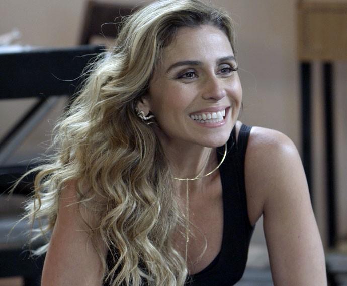 Atena diz que vai se casar com Romero (Foto: TV Globo)
