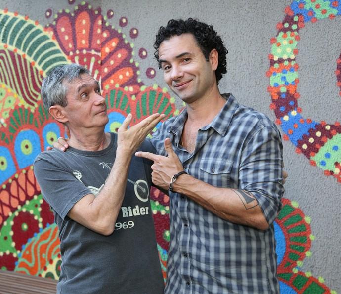 Serginho brinca com Marco Luque em coletiva (Foto: Carol Caminha/Gshow)